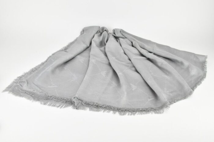 Sciarpa grigio perla con logo Emporio Armani Accessori
