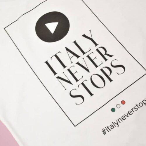 ITALY NEVER STOPS   Tutto andrà bene Abbigliamento