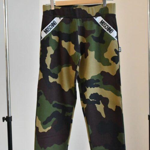 MOSCHINO Pantaloni militari Abbigliamento