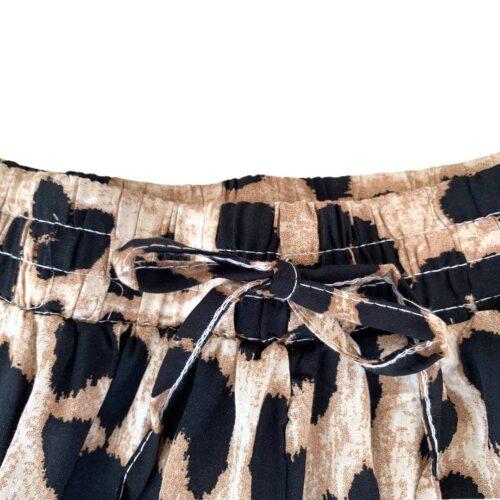 METIS GLAM Shorts maculati beige Abbigliamento