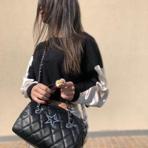 SHOP ART Bauletto nero trapuntato con tracolla catena Bauletti