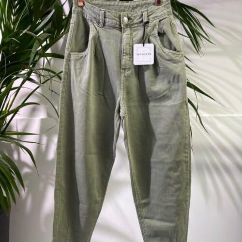 METIS GLAM Pantaloni Mom fit verde menta Abbigliamento