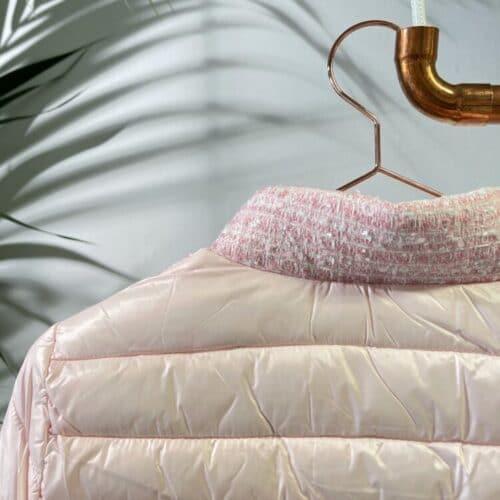 METIS GLAM Piumino rosa con dettagli Tweed e gioiello Cappotti