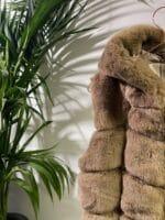 METIS GLAM smanicato in eco pelliccia tortora Cappotti